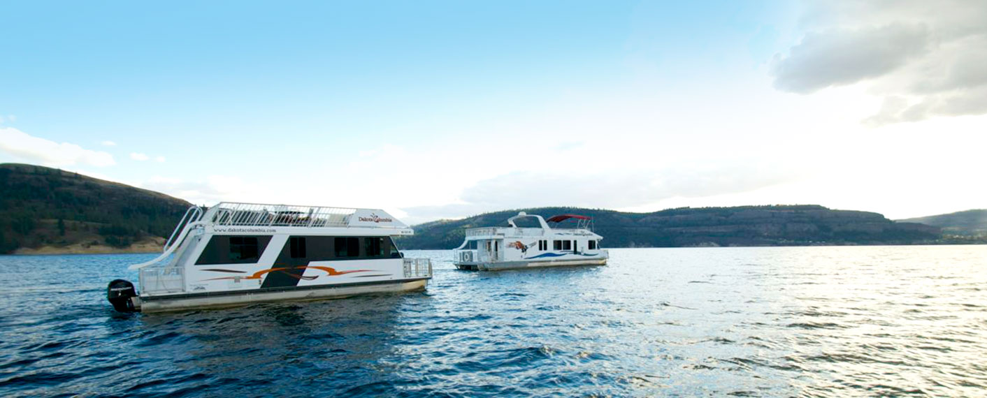 Two Houseboats on the Water   Maps & Directions   Lake Roosevelt Adventures