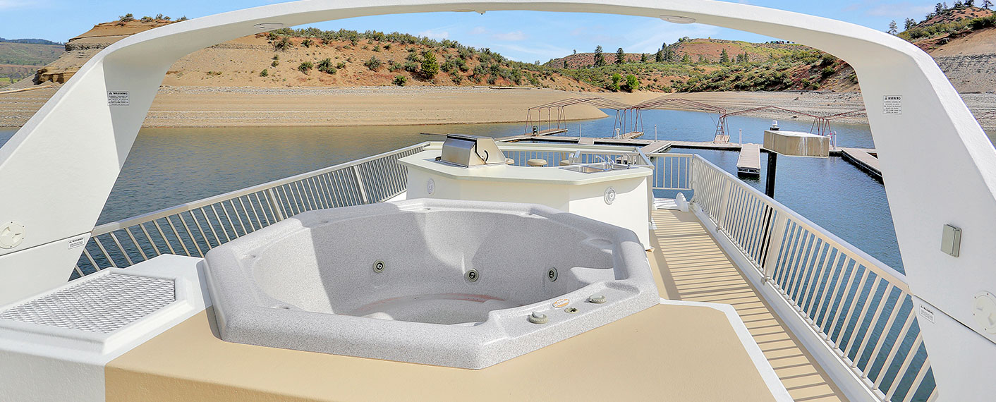 Houseboat with Hot Tub | Houseboats | Lake Roosevelt Adventures