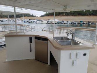 Deck 2 Wet Bar